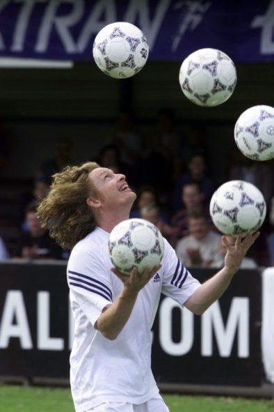 Voetbal – Jongleur – Acrobatiek