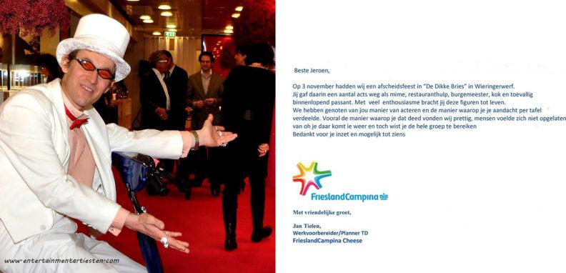 In zijn smetteloos witte kostuum ontvangst de acteur Simon uw gasten en genodigden, acteurs inhuren, acteur boeken, entertainment, themafeest, wit, ontvangst act, Govers Evenementen, www.goversartiesten.nl