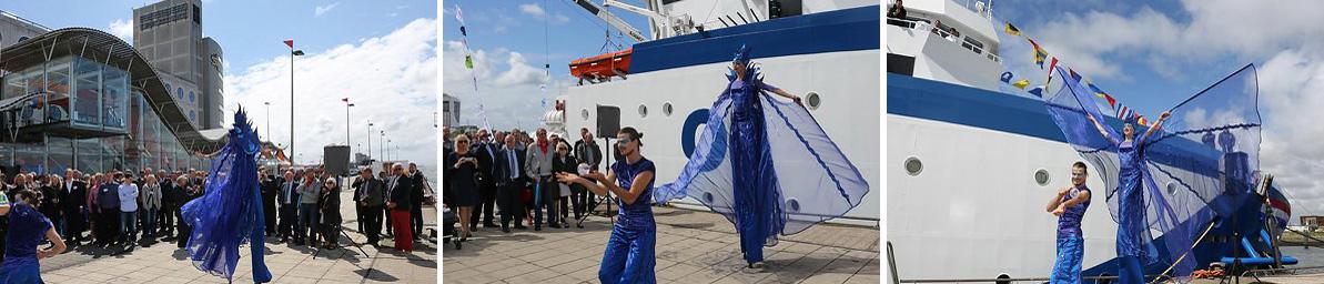 Blauwe Stelten - Marine Stelt - Laguna, Nautisch- & Maritiem Entertainment, steltentheater, steltenacts, steltenlopers, blauw, themafeest, artiesten boeken, straattheater, Govers Evenementen, www.govesartiesten.nl