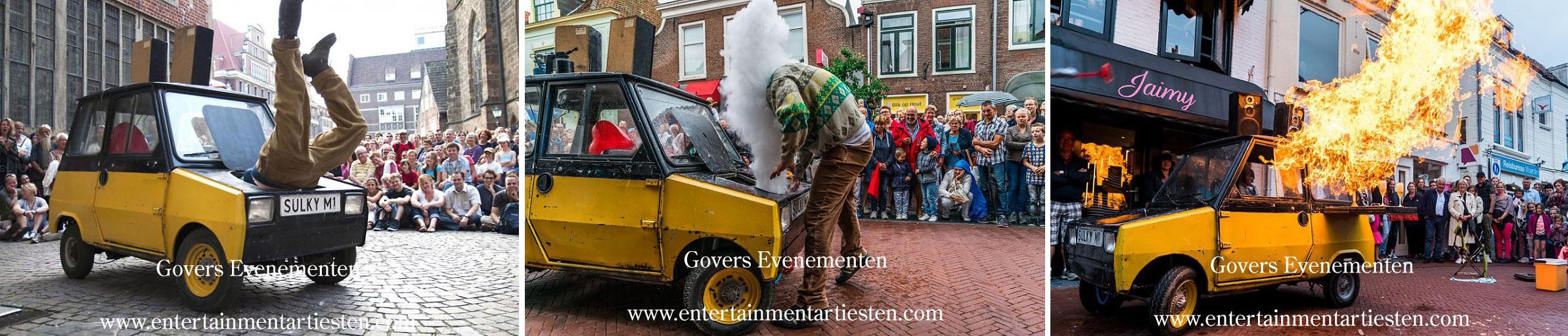 Herby? Een eigenzinnige man duikt onverwacht op in het straatbeeld met zijn Sulky. De man trekt veel bekijks met zijn kleine autootje. Straattheater, straatartiesten, vuurspektakel, vuurshow, straatact, acteurs, autoshow met vuur en humor, straattheater, Govers Evenementen, www.goversartiesten.nl