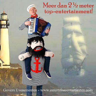 nautisch entertainment, muziek, muzikanten op stelten, steltenact, stelten accordeonist, straattheater, artiesten boeken, www.goversartiesten.nl