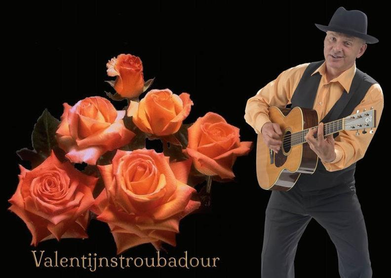 Valentijn troubadour zingt franse liedjes over de liefde: Valentijndag - Moederdag entertainment muzikant muzikanten, www.goversartiesten.nl