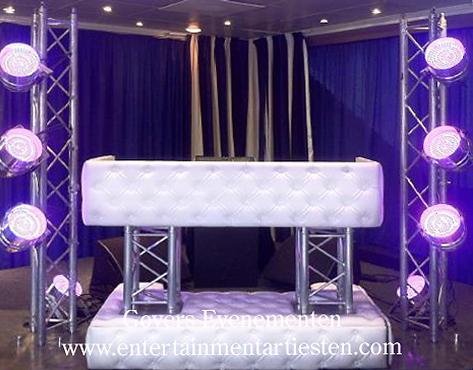 Muziek, DJ, DeeJee, show, muziekshow, Drive-in show, muzikanten, jaren 90 muziek, top 100 muziek, show voor feest, opening, party, artiesten boeken, Govers Evenementen, www.goversartiesten.nl