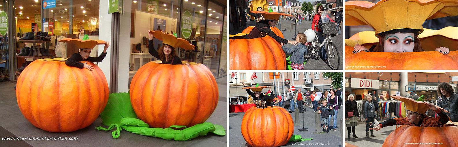 Winkelcentrum promotie activiteiten, grote pompoenen bewegen op straat (mime animatie), straattheater, Halloween acts, artiesten boeken, Govers Evenementen, www.goversartiesten.nl